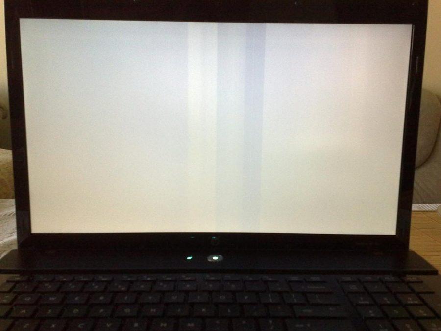 man hinh laptop bi trang