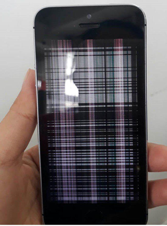 Màn hình điện thoại di động bị nhiễu